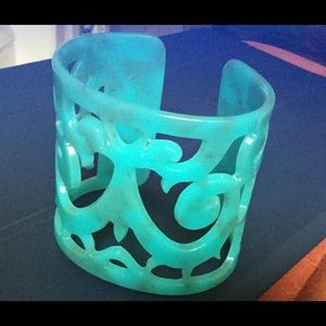 Jewelry - Turquoise blue carved plastic cuff